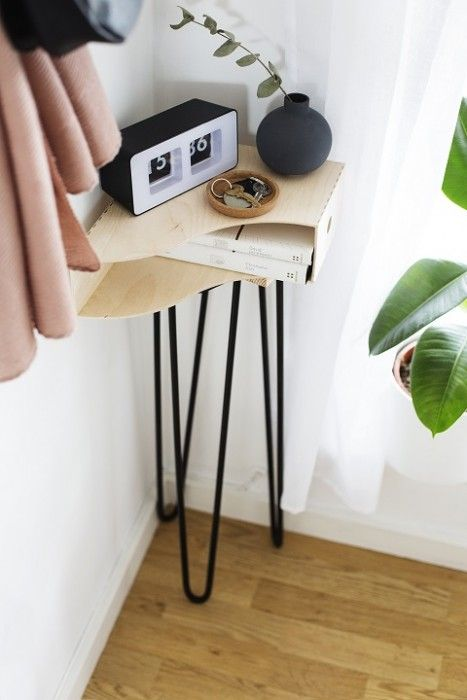 16 Hallway storage solutions DIY side table – a guest post by A Lovely Drawer via Simphome