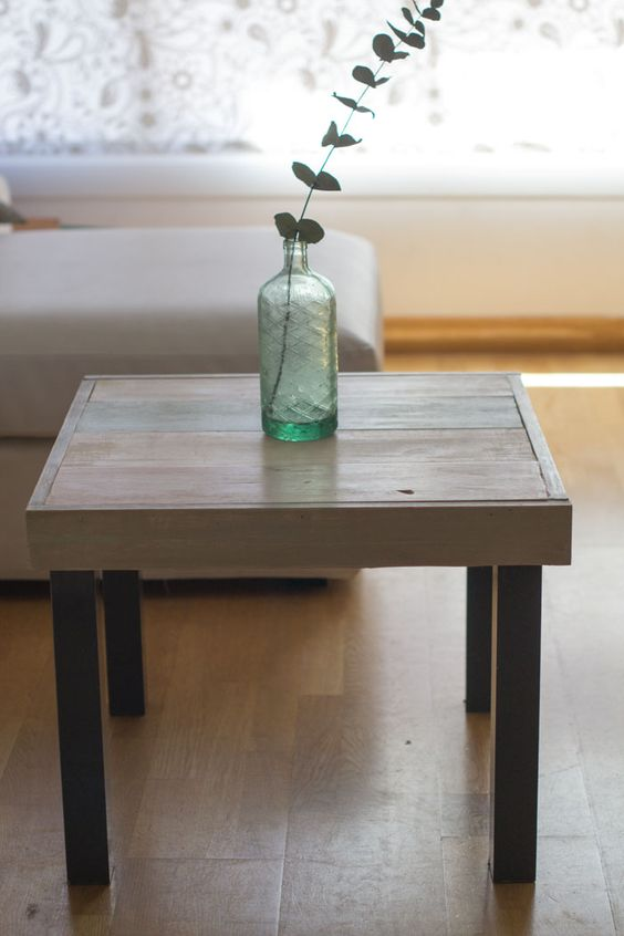 25 a table lack with wood and chalkpaint via simphome