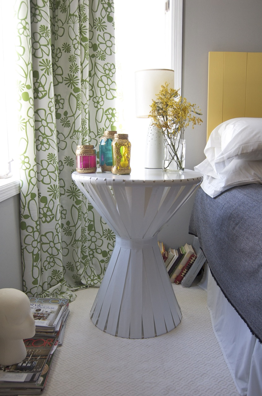 6 side table hack by matsutakeblog via Simphome