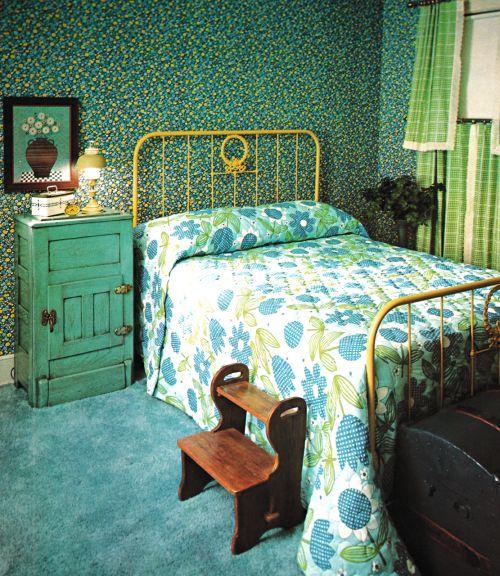 simphome retro bedroom