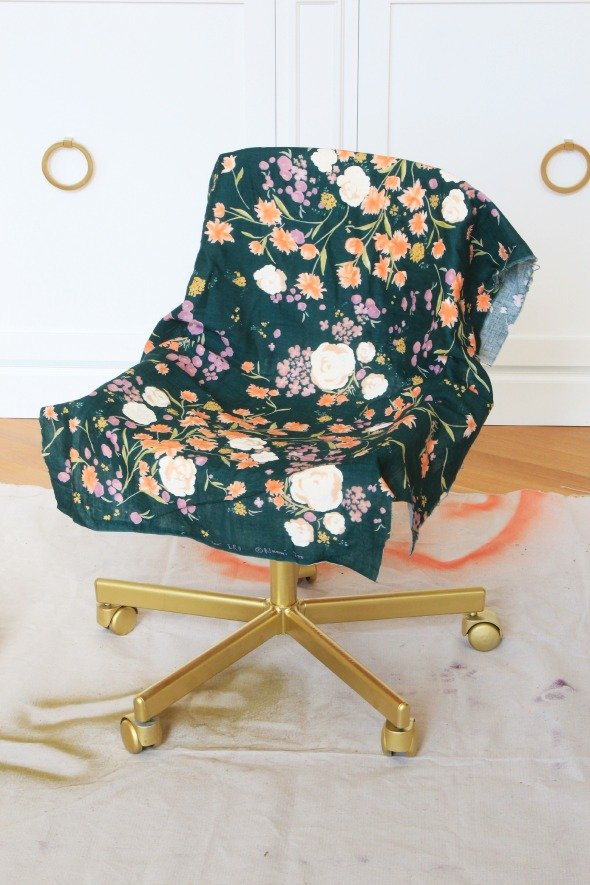 1 DIY Fabric Decoupaged Office Chair 590x885 Simphome com