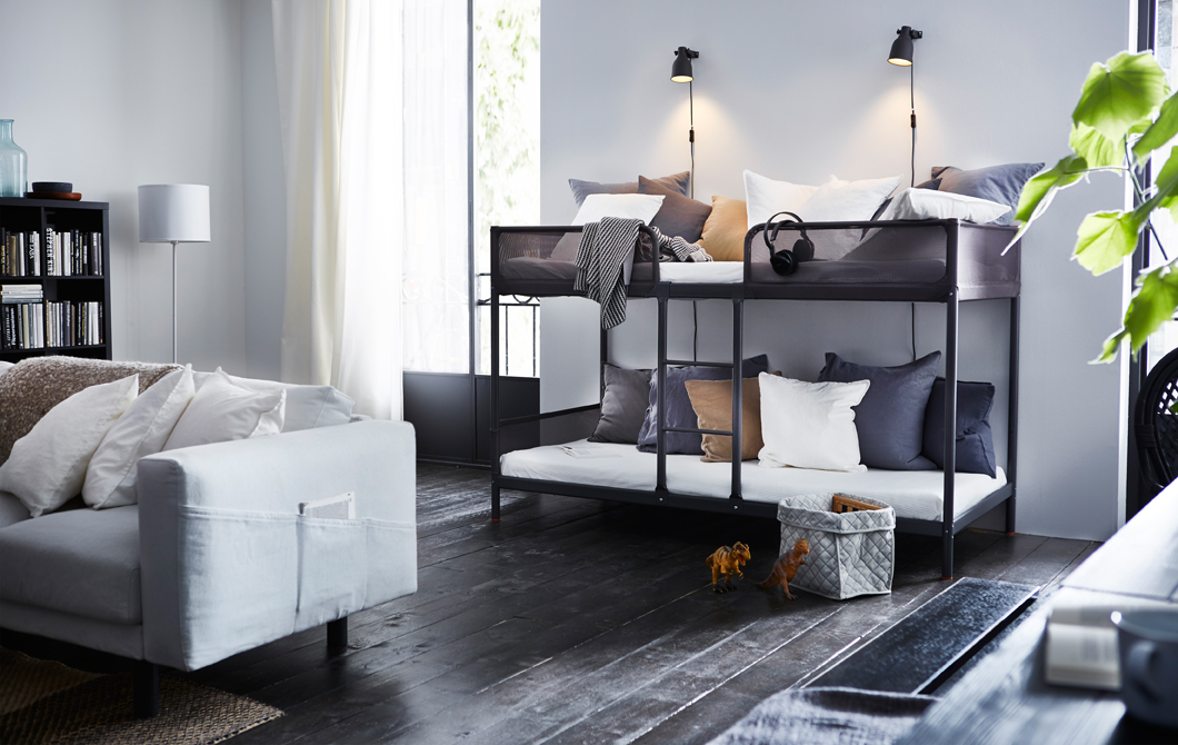 4 Family Room via simphome com