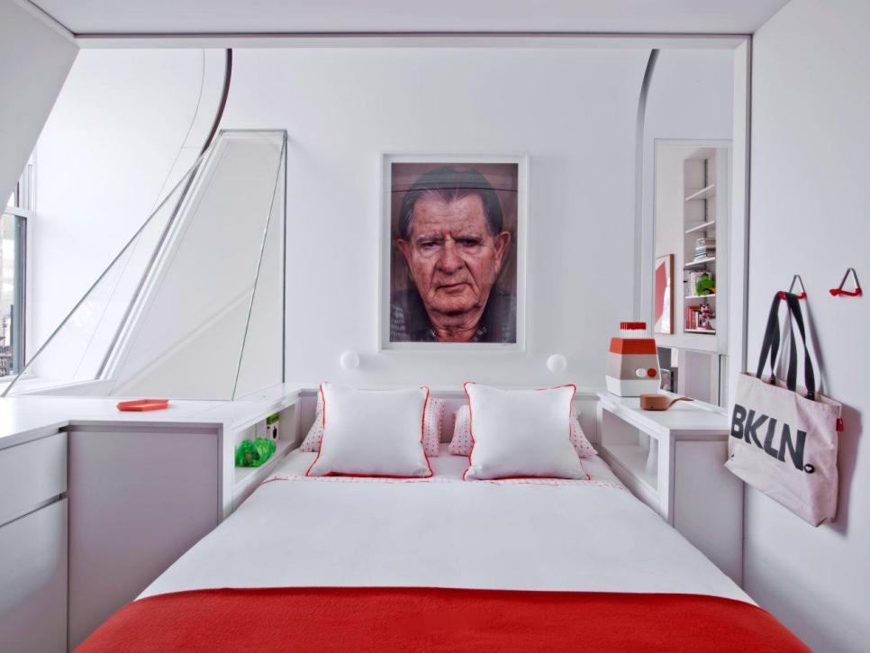 5 Stick Storage Close To The Bed Via Simphome com