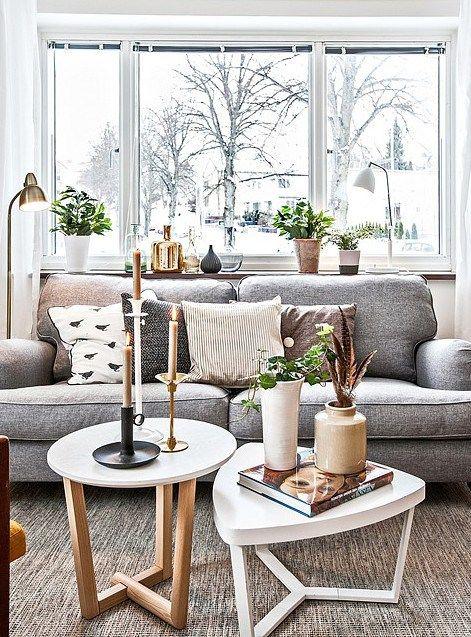 simphome sofa window