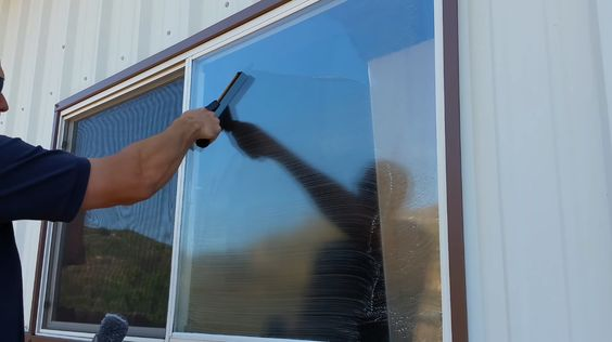 12 Keep your window clean via simphome