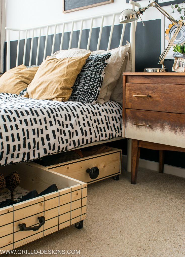 3 Under Bed2BStorages