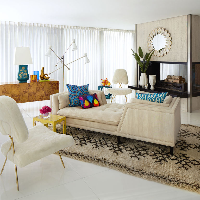 8 Unique Furniture arrangements via simphome