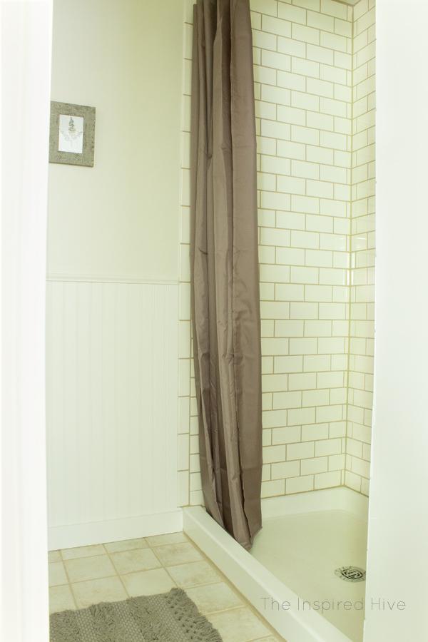 20 Tiling the Shower – Do It Like a Pro via simphome