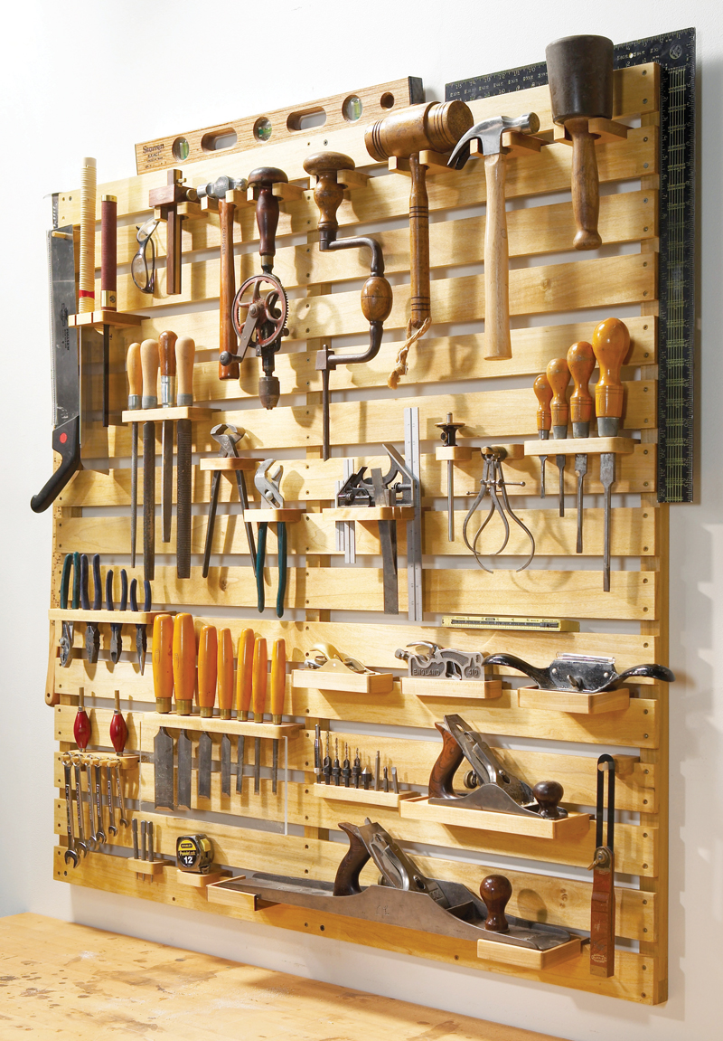 Hold Everything – a Special Tool Rack 3 Simphome com