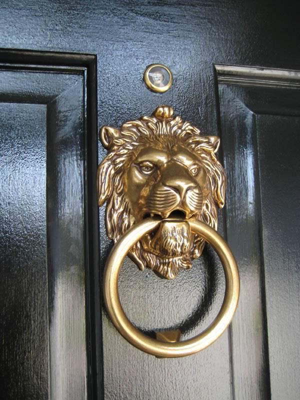 4 Add a Fancy Door Knocker Simphome com