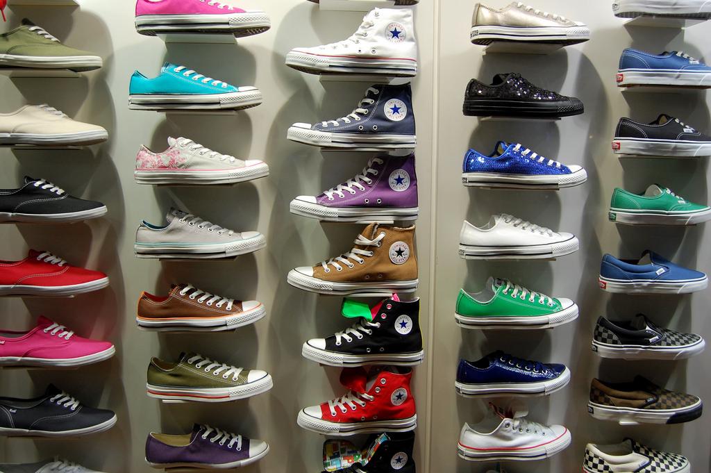 Shoe racks Simphome com Flickr