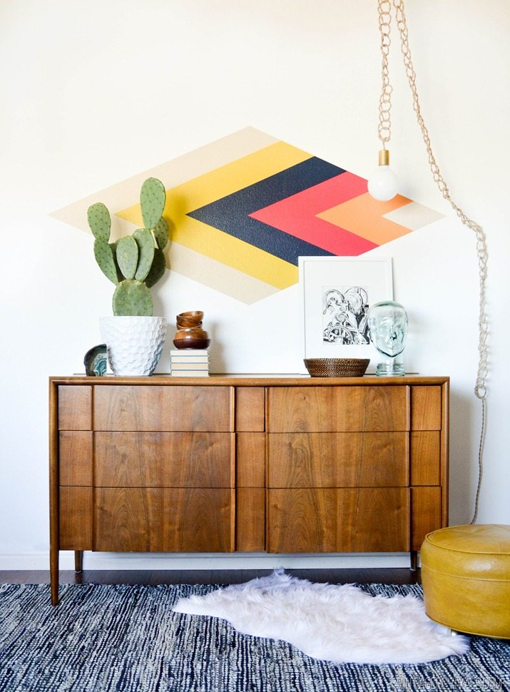 17 DIY Retro Diamond Focal Wall Simphome com