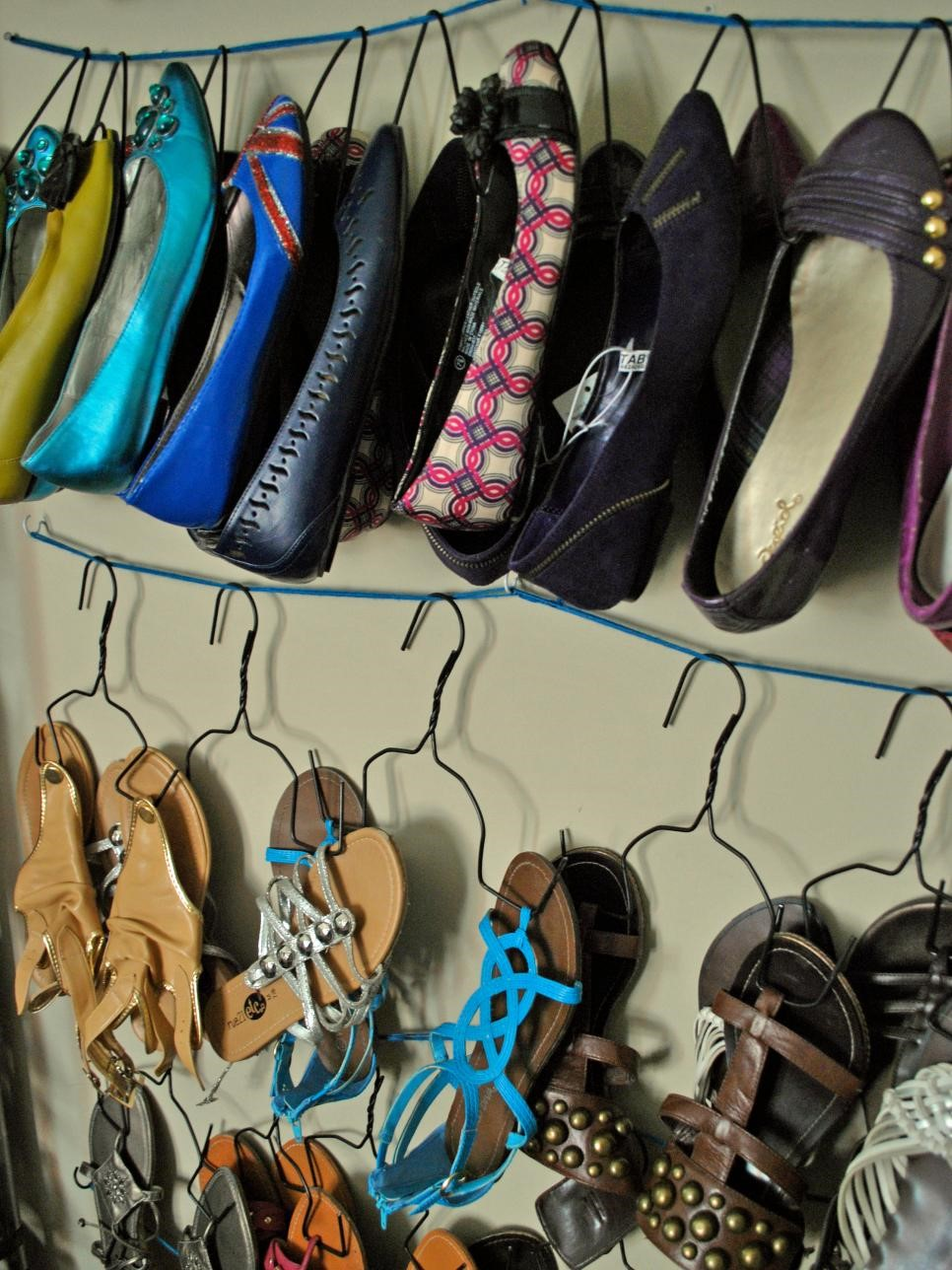 2 Simple wire hack Shoe Hangers Simphome com