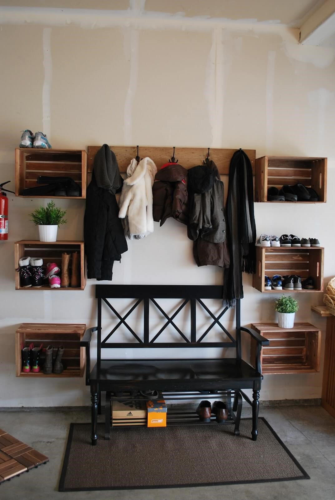 3 Repurposing Well Worn Wooden Crates Simphome com