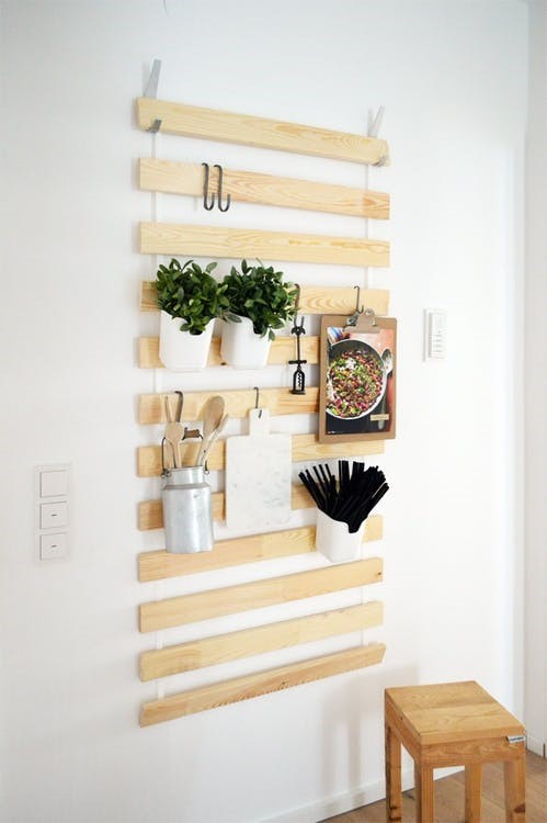 5 Slim hanging floating rack idea Simphome com