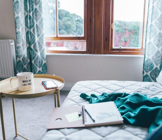 Simphome toa heftiba unsplash organizing bedroom