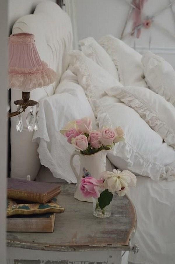31 Chic Bedside Area via simphome com