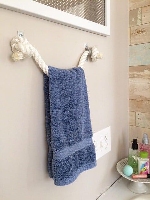 7 Rope Towel Holder
