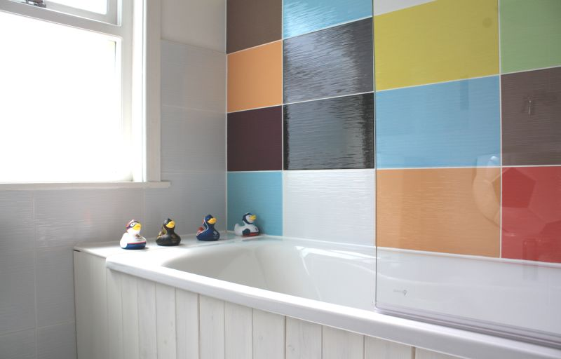 2 Rainbow in The Bathroom simphome