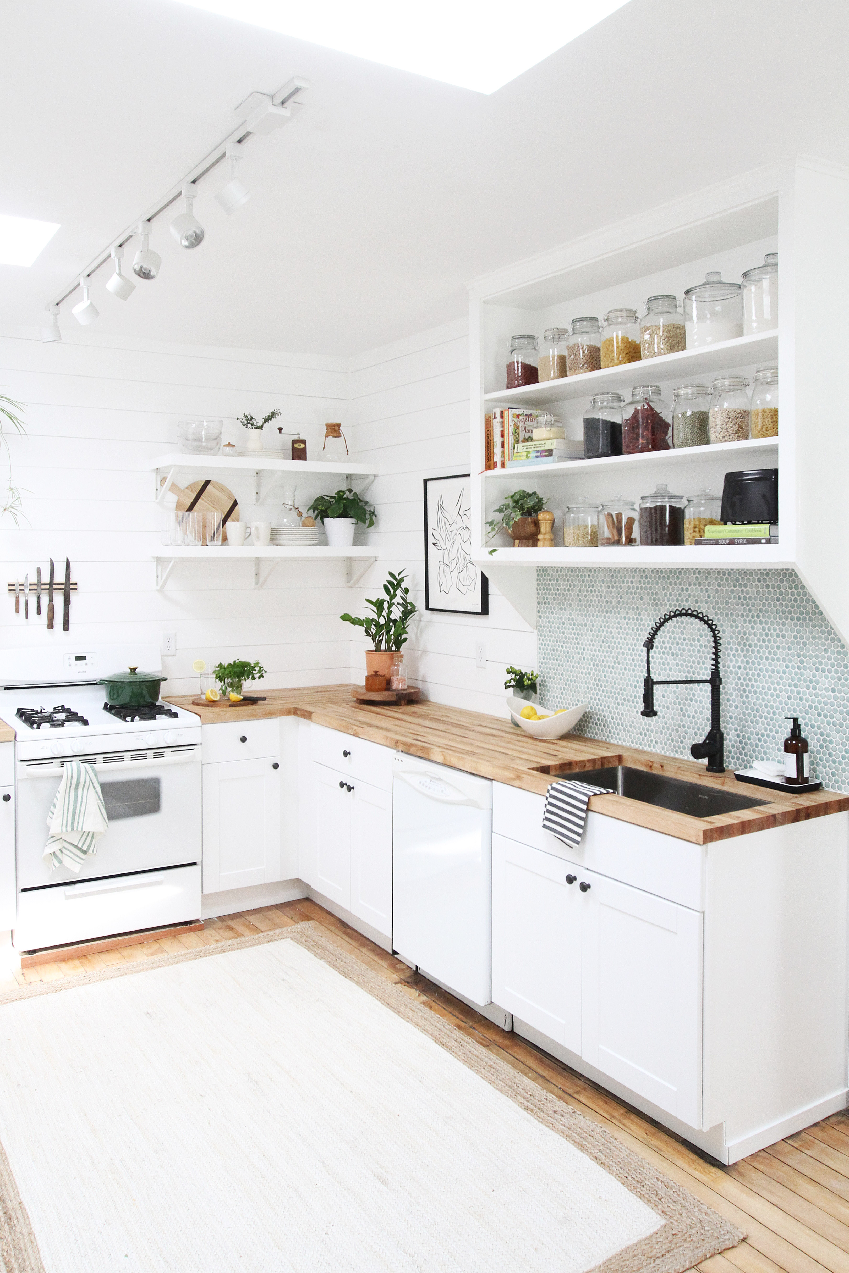 33 Ditch the Wall Mounted Cabinets Simphome