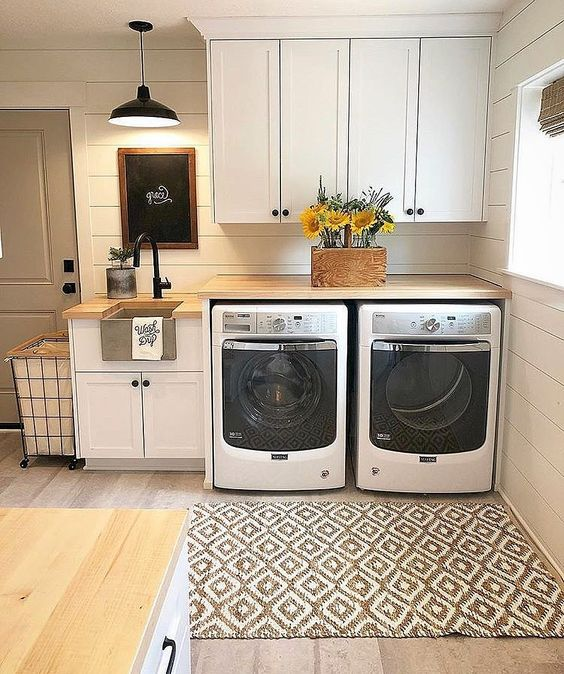 42 Amazingly inspiring small laundry room design ideas by Cecelia @thewelldressedhouse Simphome