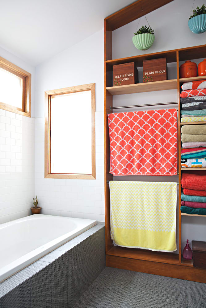 5 Pops of Colors Cheer Your Bathroom Up Simphome