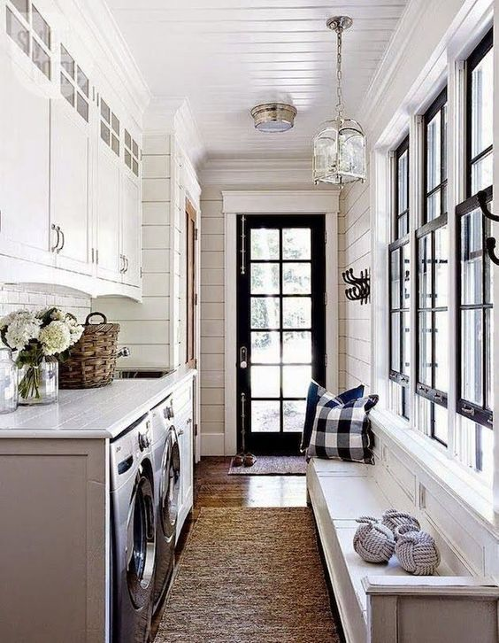 56 A farmhouse laundry mud room combo nice combo Simphome