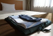kimono set hotel hospitality japan hostel bed tidy simphome com