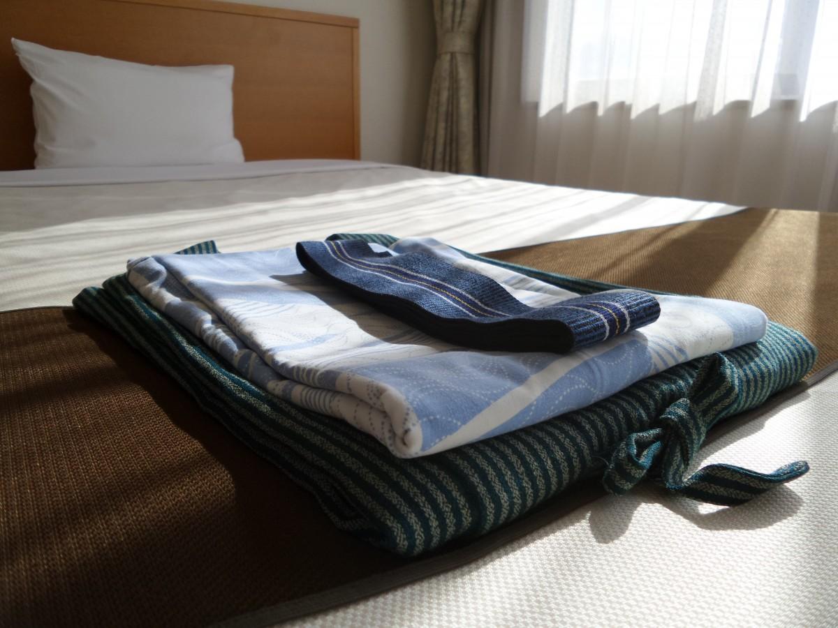 kimono set hotel hospitality japan hostel bed tidy simphome com
