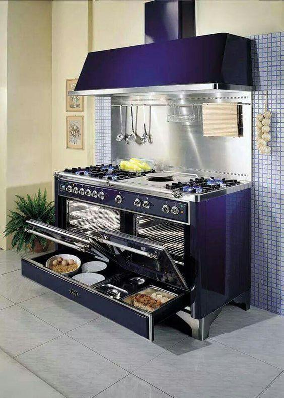114 Monochromatic kitchen concept via Simphome
