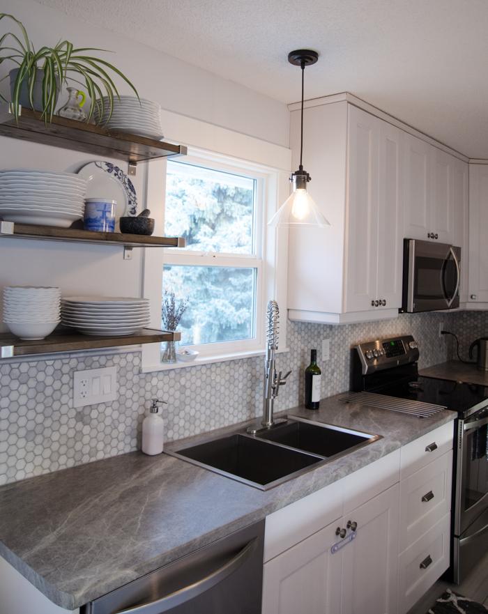 121 216 Functional Kitchen via simphome