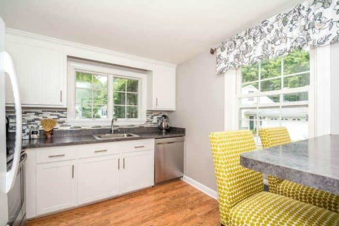 126 218 Kitchen Refacing via simphome