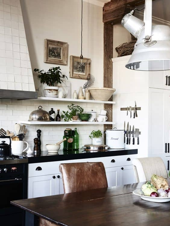 127 Amazing Apartment With a Sense Of Nostalgia via Simphome