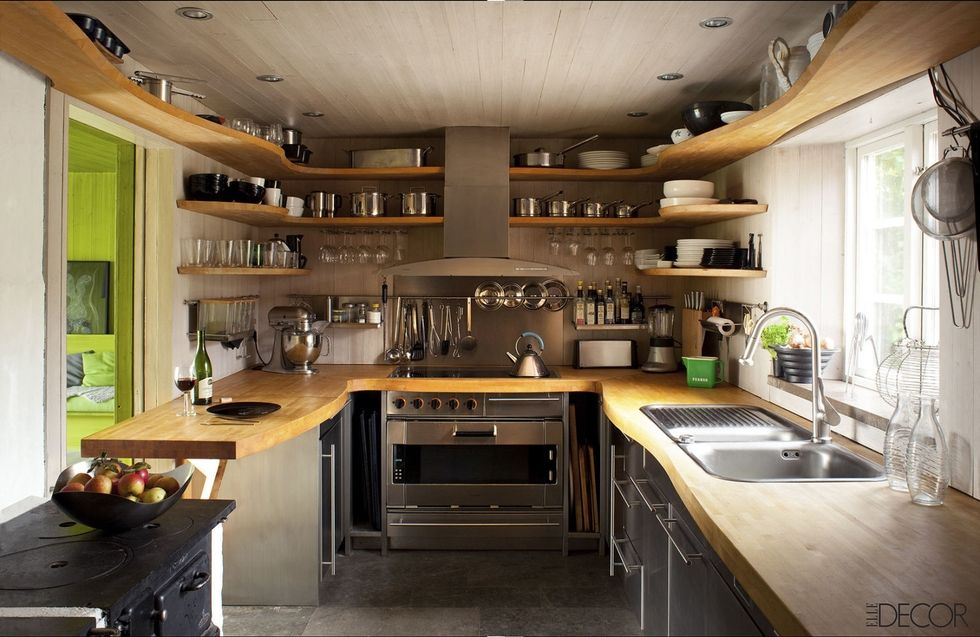 13 Create Wraparound Shelving simphome