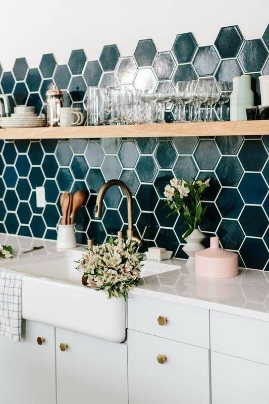 141 Ideas for Your Kitchen Backsplash Tile via simphome