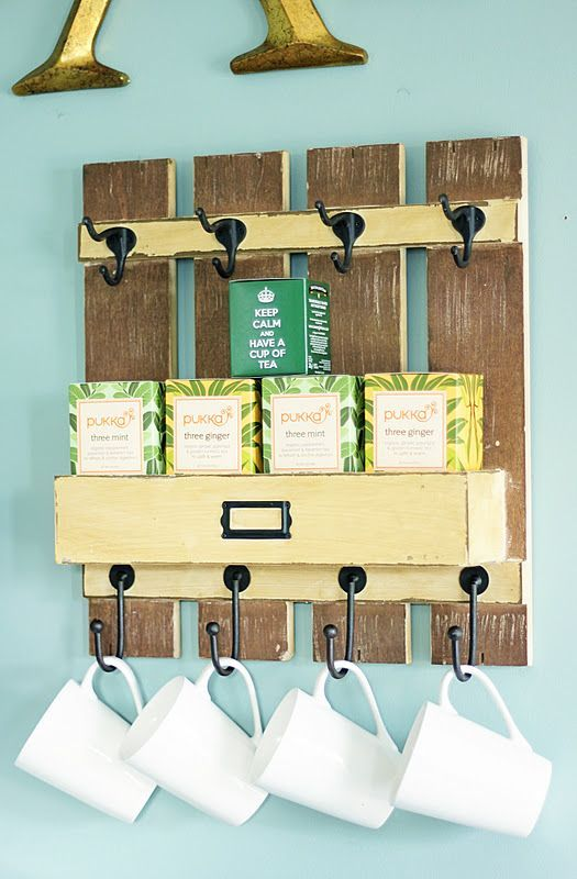 23 Pallet Wood Mug Rack via simphome com 2