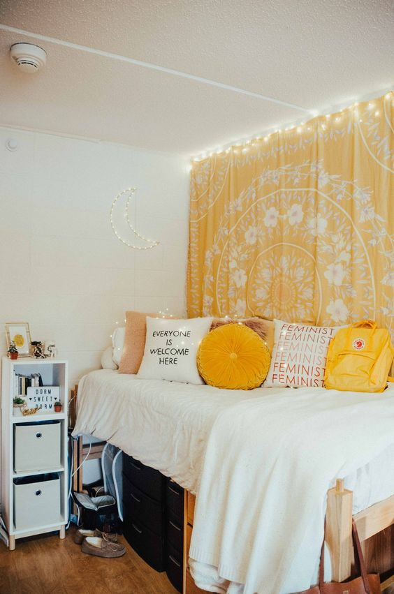 23 Yellow bedroom idea Simphome 1