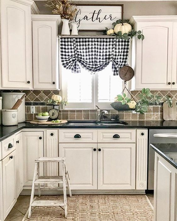 66 Flea market find kitchen revamp via simphome