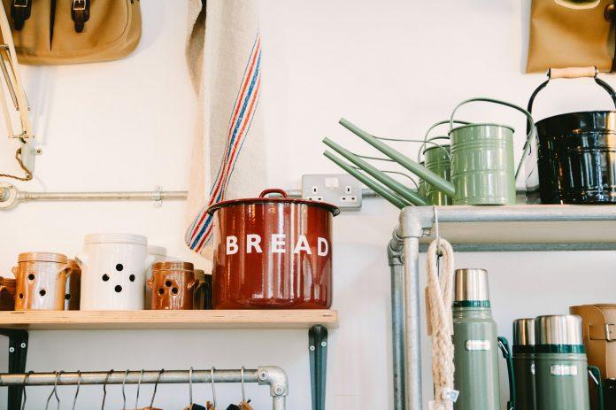 Small kitchen design thumb Simphome unsplash