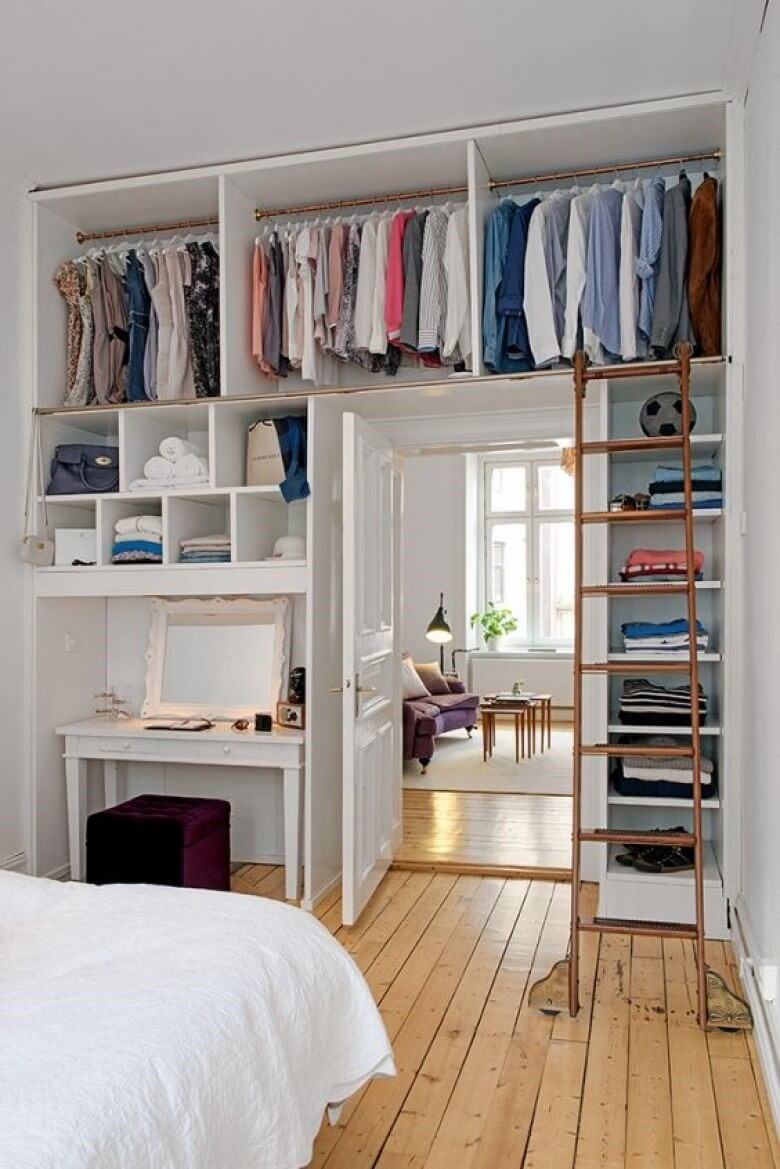7 Over the Door Wardrobe via simphome