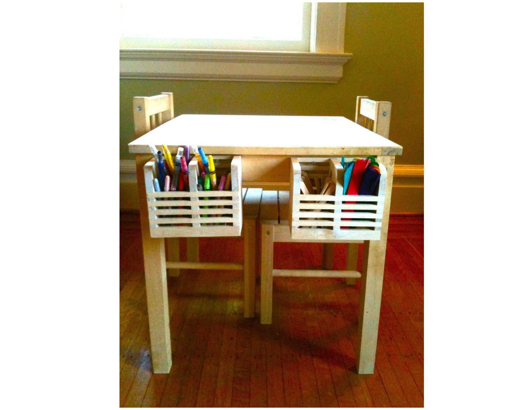 28 Hang Magasin cutlery caddies on a kids table to hold crayons markers and any other art supplies via simphome