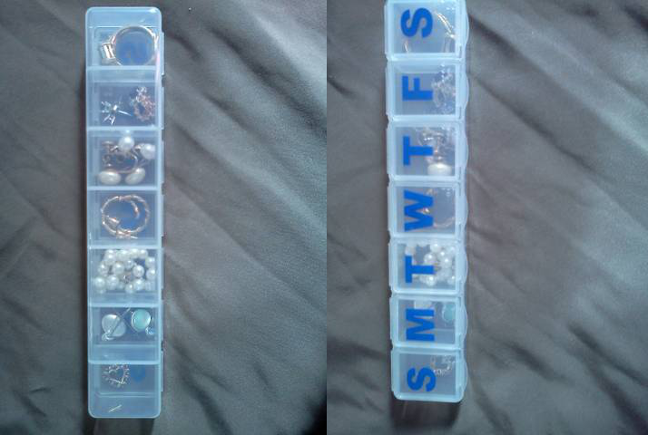 4 Pack jewelry in a daily pill organizer via simphome