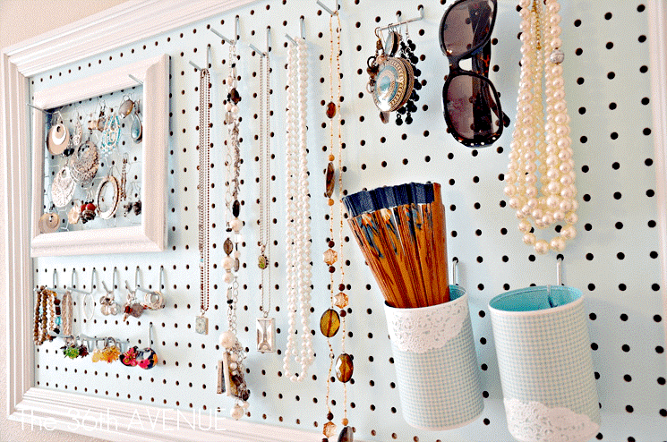 4 Pegboard Jewellery Station via simphome