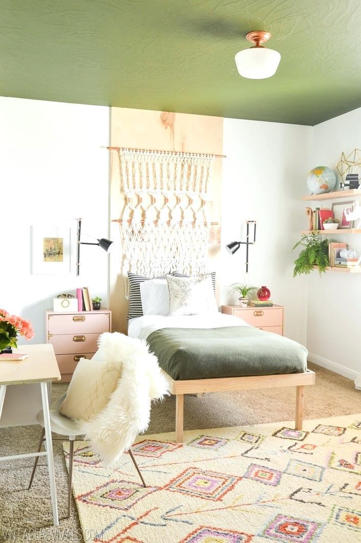 7 Bohemian Bedroom Ideas via simphome