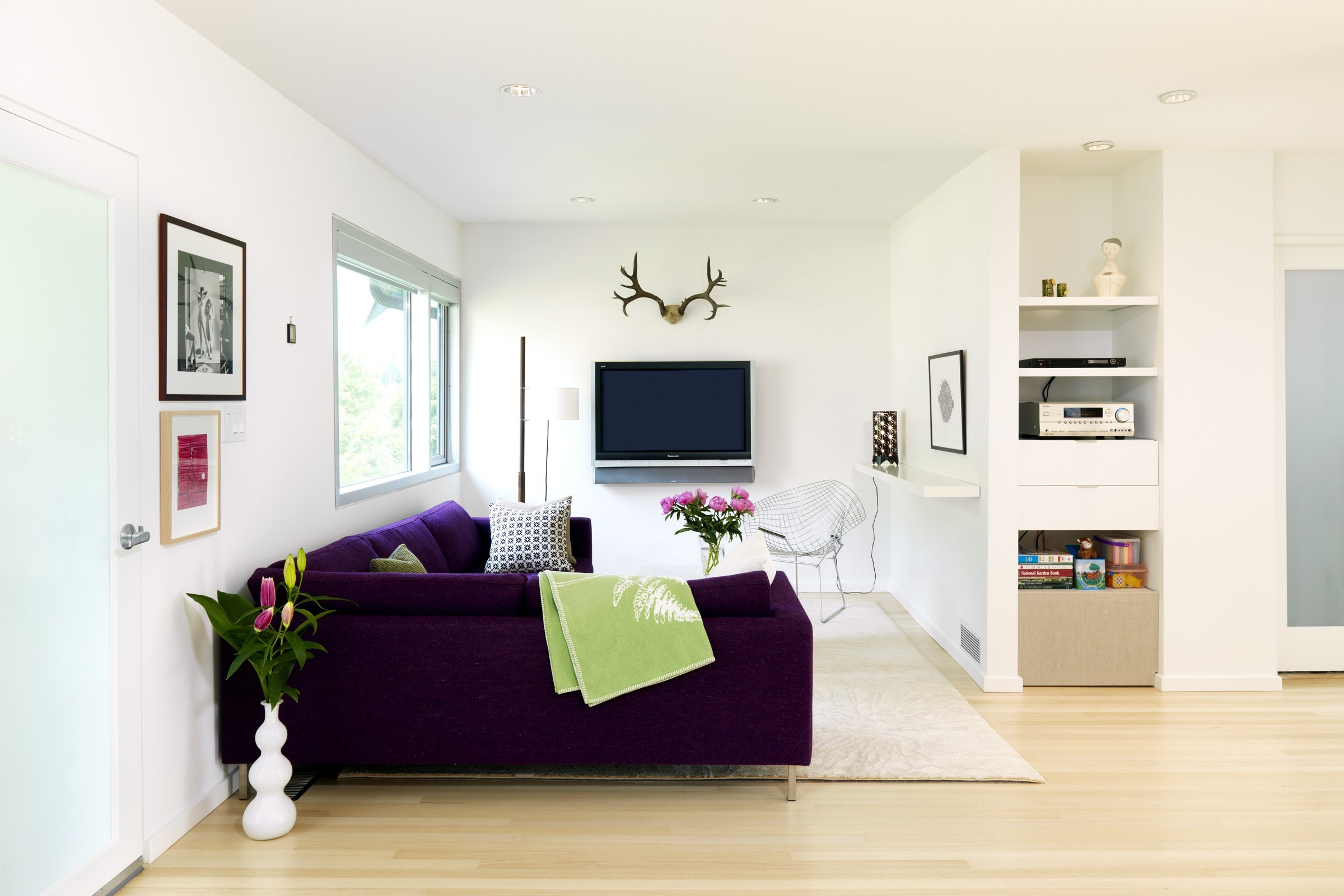 9 Choose the Right Furniture For The Right Spot via simphome com