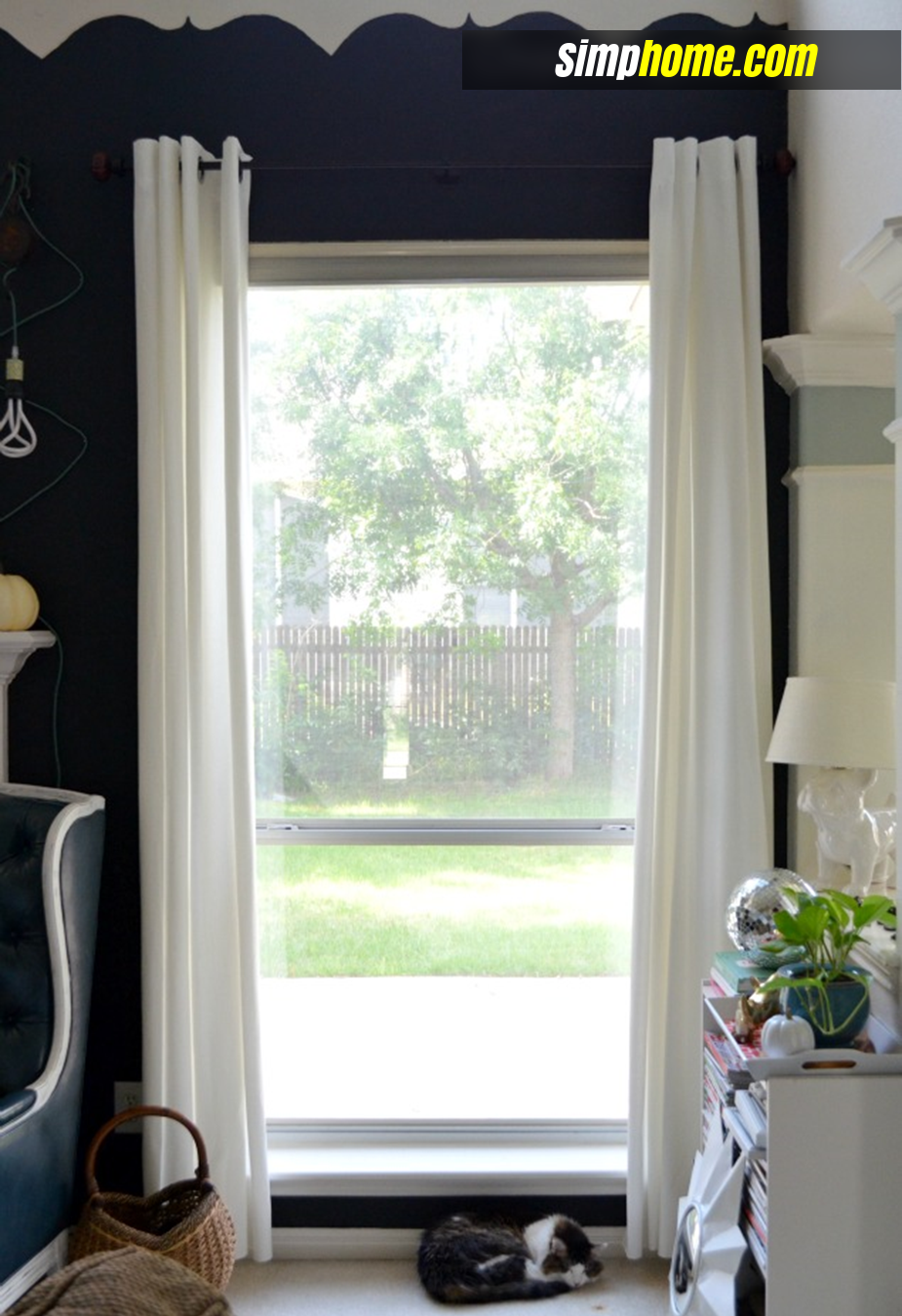 Turn Plain Ikea Curtains Into White Columns via simphome 2
