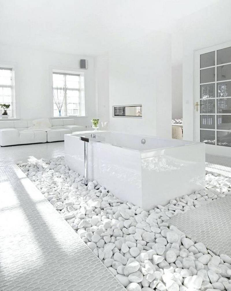2 Luxurious White Bathroom via simphome