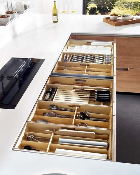 7 Organize the Drawers Better via simphome