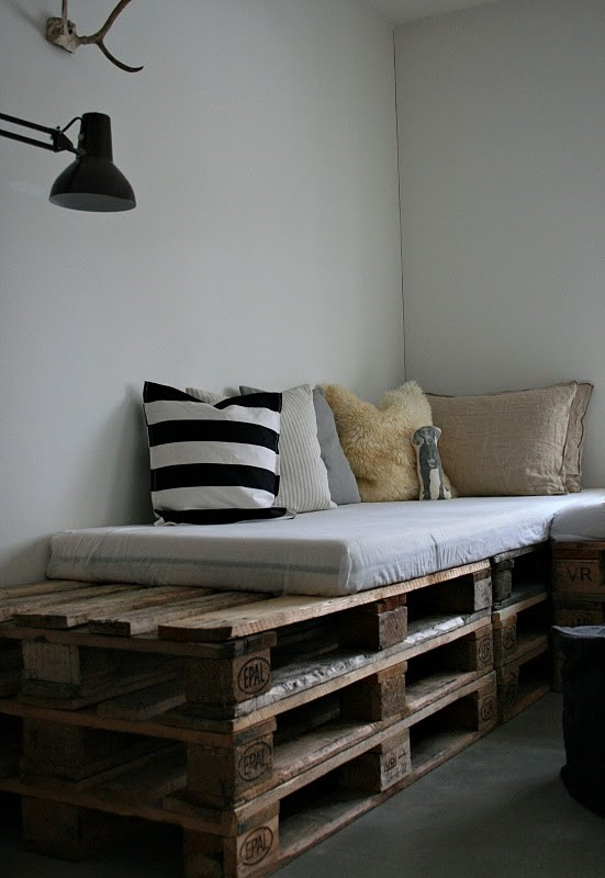 DIY How to make indoor pallet sofa and outdoor via simphome 1