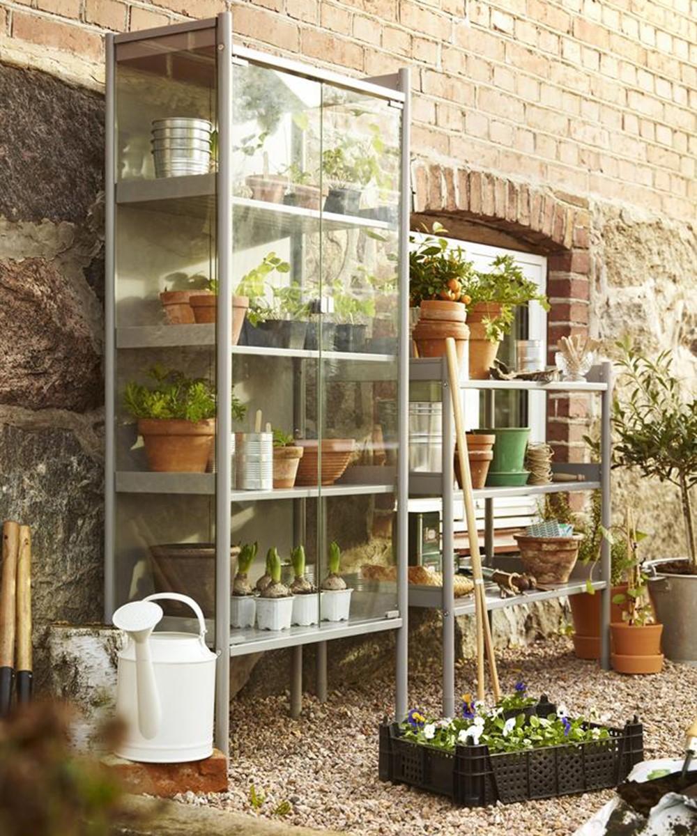 10 Create a Mini Greenhouse via simphome